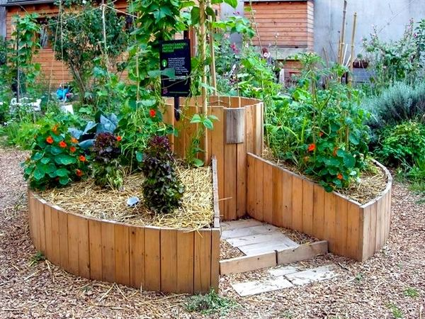 Keyhole Garden Design Ideas DIY Raised Garden Beds Vegetable Garden Keyhole  Gardening